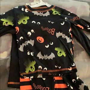 Carters Halloween pajamas set of two